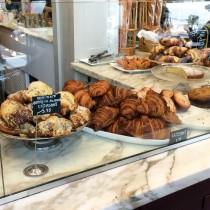 b. patisserie croissants
