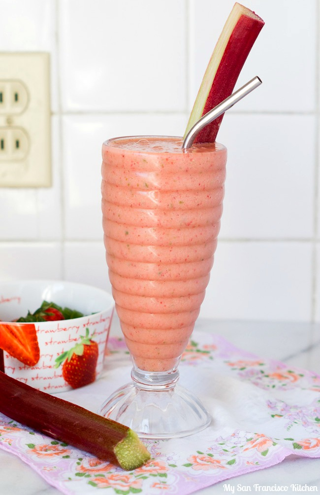 Strawberry Cucumber Rhubarb Smoothie